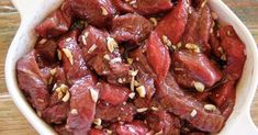 Очень часто требуется быстро придать куску мяса мягкости! Как сделать так, чтобы кусок жесткой свинины или говядины стал мягким и вкусным? Раскроем вам секретный ингредиент прямо сейчас! Если...
