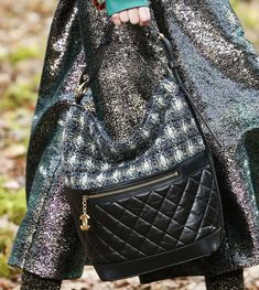 Chanel s Fall 2018 Collection Takes to the Woods and Puts Heavy Emphasis on  a Brand New Bag Style. nina · Borse   scrigni 37daa6e53b7