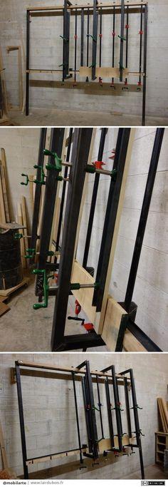 """Presse à panneaux par mobilarte - Une création qui n'a que peu de bois, mais très utile pour le collage de grand panneau. Il ne s'agit là que d'un prototype.  Dix tubes de 3/4"""" de diamètre et 60"""" de long, espacé de 10"""", montés sur un..."""
