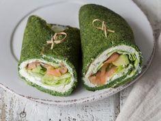 Spinat-Crêpes mit Avocado und Lachs