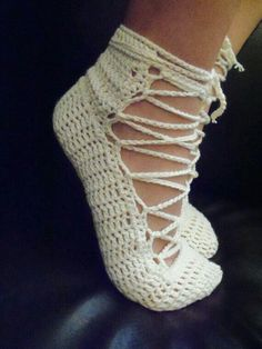 crochet 'home slippers' (just gotta learn to crochet first) Crochet Home, Love Crochet, Learn To Crochet, Beautiful Crochet, Crochet Crafts, Yarn Crafts, Knit Crochet, Irish Crochet, Crochet Boots