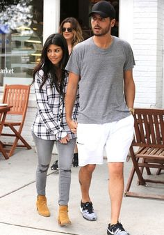 Kourtney Kardashian wearing Rails Hunter Plaid Button Down Shirt in White/Marine J Brand Mid Rise Skinny in Chrome Saint Laurent Wyatt Ankle Boot. Kardashian Family, Kardashian Style, Kardashian Jenner, Kourtney Kardashian, Kardashian Fashion, Scott And Kourtney, Look Star, Fall Outfits, Cute Outfits