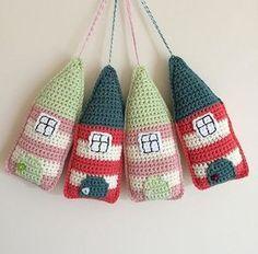 Cute Little Folk Houses on the LoveCrochet Community