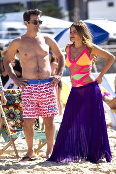 Phil Dunphy wore Aussie Bum Mooloolaba Long Boardies on Modern Family. Shop it: http://www.pradux.com/aussie-bum-mooloolaba-long-boardies-28466?q=s9