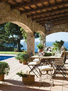comment aménager sa terrasse et une belle vue vers la mer