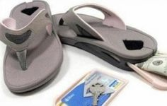 Sandals with a secret compartment for storing valubles!