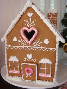 Gorgeous Gingerbread Houses and people as well. Click thru for recipe, photos, ideas and suggestions!...   ...   ...    butter hearts sugar: