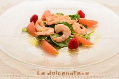 Insalata di gamberi con pompelmo rosa, insalata di spinacino novello e citronette agli agrum
