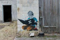 [Para abrir los ojos hay que abrir los libros...]    #tiemponuevo  Artist: ALIAS  City: Berlin / Artbase - Urban Art Festival  Foto by Streetart_Berlin  www.flickr.com/photos/berlin_streetart/
