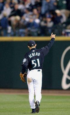 Ichiro daisuki! even with that Japanese-baseball-player-knee-locking-walk you do.