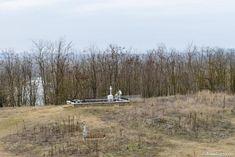 Cimitirul în care sunt înmormântați părinții și bunica Sfântului Ioan Iacob / foto: Oana Nechifor Saints, Snow, Outdoor, Lord, Outdoors, Outdoor Games, Human Eye