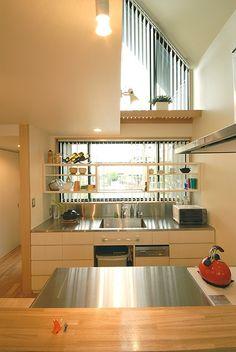 キッチン事例:2階のキッチン(12坪の敷地にたつ3階建て)