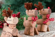 wine-cork-reindeer-2 Use during the holidays for food place cards or to mark seating arrangements