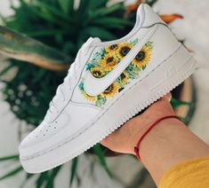 custom shoes nike Sunflower x - Source by LifeofAlly - Custom Painted Shoes, Custom Shoes, Custom Sneakers, Cute Nike Shoes, Nike Shoes Air Force, Aesthetic Shoes, Fresh Shoes, Hype Shoes, Pretty Shoes