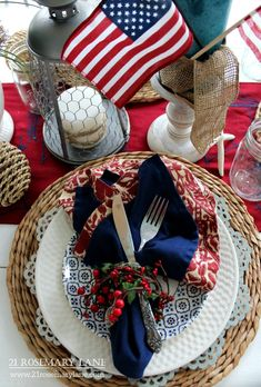 21 Rosemary Lane: A Red White & Blue Table Setting