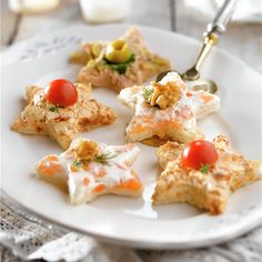 healthy snacks on the go for adults recipes for a day 2017 Easy Snacks, Healthy Snacks, Creative Kitchen, Snack Recipes, Cooking Recipes, Tea Time Snacks, Xmas Food, Fruit And Veg, Healthy Cooking