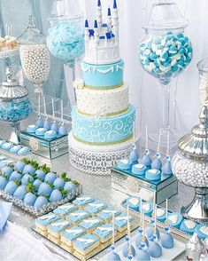 Comparing Sensible Plans For Cheap Quinceanera Party Decorations - Lelo Lelo Cinderella Sweet 16, Cinderella Theme, Cinderella Birthday, Cinderella Wedding, Cinderella Centerpiece, Cinderella Cupcakes, Cinderella Quinceanera Themes, Quinceanera Cakes, Quinceanera Decorations