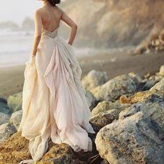 ❤️️ . . . . . . . . . . . . . . . . . . . . . . . . . . . #engaged #love #wedding #weddingdressdesigner #love #glam #arbour #happilyeverafter #blushbride #fairytalewedding #beautiful #newyorkwedding #californiawedding #goldcoastwedding #designerweddingdress #weddinginspo #engagementring #engagementringgoals #bridesmaids http://gelinshop.com/ipost/1523137118192746191/?code=BUjRSOaFz7P