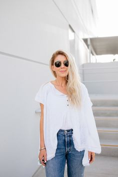 8dcb4abce1a892 lisa allen of salty lashes wearing a free people top with Levi's for Trunk  Club #