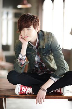 Lee Jong Suk - Rising actor. Definitely won me over. ;)