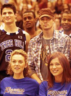 One Tree Hill - Lucas Scott (Chad Michael Murray)  Nathan Scott (James Lafferty)  Peyton Sawyer (Hilarie Burton)  Rachel Gatina (Daneel Harris)