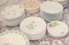 Notre mariage   Mariages Cools Mariage   Queen For A Day - Blog mariage ---- #vaisselles #assiettes #vintage