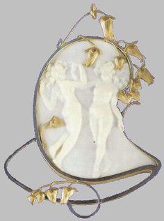 An Art Nouveau gold, enamel and ivory 'Deux Figurines Dansant' pendant, by René… Lalique Jewelry, Cameo Jewelry, I Love Jewelry, Jewelry Art, Vintage Jewelry, Jewelry Design, Handmade Jewelry, Bijoux Art Nouveau, Art Nouveau Jewelry