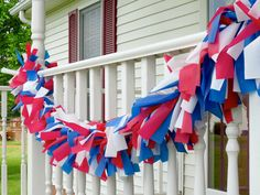 Clever of July Party Ideas to Make This Year's Backyard Bash the Best Quickie Garland To make your own of July party garland on the cheap, try this… 4th Of July Cake, 4th Of July Celebration, 4th Of July Party, Fourth Of July, July Crafts, Holiday Crafts, Holiday Ideas, Easter Crafts, Holiday Recipes