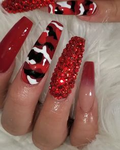 red acrylic nails designs Without words . this is dopeeeeee Glam Nails, Classy Nails, Stylish Nails, Bling Nails, Red Acrylic Nails, Summer Acrylic Nails, Summer Nails, Red Glitter Nails, Pink Nail