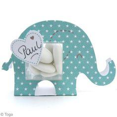 Kit pour faire des boîtes à dragées pour baptême d'un petit garçon Elephant Bleu, Zebra Decor, Baby Hacks, Baby Tips, Blank Labels, Boy Baptism, Pretty Box, Boy Blue, Diy And Crafts
