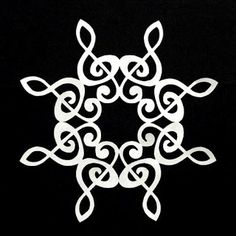 The Quilt Rat: snowflakes Paper Snowflake Patterns, Snowflake Quilt, Snowflake Template, Paper Snowflakes, Snowflake Designs, Christmas Snowflakes, Christmas Crafts, Motif Music, Paper Art