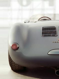 Porsche 550 Spyder / art by Additive Studios. Carros Porsche, Porsche Autos, Porsche Cars, Porsche 550 Spyder, Supercars, Cb 450, Cars Vintage, Vintage Porsche, Vintage Prints