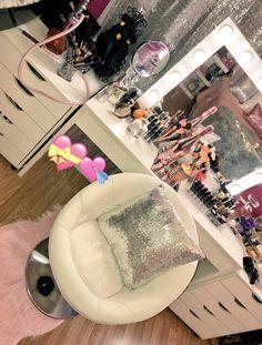 Teen Girl Bedrooms, one beautiful and elegant area styling, ref 5255988233 Teen Girl Bedrooms, Teen Bedroom, Bedroom Decor, Bedroom Ideas, Bedroom Makeup Vanity, Makeup Rooms, Makeup Vanities, Vanity Room, Dream Rooms