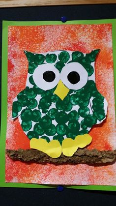 chez Michèle Dockendorf Autumn Crafts, Autumn Art, Autumn Theme, Holiday Crafts, Fall Classroom Decorations, Art Classroom, Art Activities For Kids, Preschool Crafts, Diy For Kids