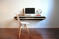 With the Minimal Float Wall Desk by you won't have to compromise on the . Read more Minimal Float Wall Desk by – Multi Use Workstation or Display Shelf Floating Computer Desk, Floating Wall Desk, Computer Desks, Wall Computer, Wall Mounted Desk, Appartement Design, Minimal Home, Interiores Design, Minimalism