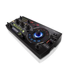 Pioneer RMX-1000 Dj Effector ιδανικός για τον εμπλουτισμό Dj Set και για μουσική παραγωγή, με 10 εφέ scene και 5 audio. Διαθέτει ενσωματωμένη κάρτα ήχου, και συνδέεται σε υπολογιστή με MIDI και USB και δρα ως εικονικό VST Plug In. Dj Setup, Pioneer Dj, Dj Remix, Dj Equipment, Music Instruments, Design, Pictures, Musical Instruments