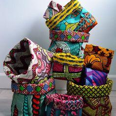 We ❤️ Manden!! Wat worden we blij van deze mooie kleuren! African Crafts, African Home Decor, African Interior Design, African Design, African Textiles, African Fabric, Sewing Crafts, Sewing Projects, African Theme