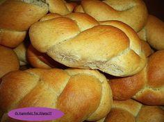 Greek Sweets, Greek Desserts, Greek Recipes, Sweet Buns, Sweet Pie, Greek Cookies, Greek Pastries, Homemade Cakes, Healthy Treats