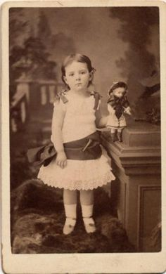 Wonderful-CDV-a-Young-Girl-Named-Florence-Holding-Her-Little-Doll-London-1882
