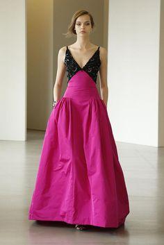 Oscar de la Renta resort 2016 pink and black evening gown