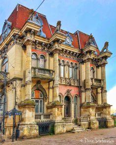 Casa cu lei ❤️ #Constanta #DanaStefanescu #PrinConstantaMea #architecture #sky #mareamea Beautiful Castles, Beautiful Buildings, Amazing Architecture, Architecture Design, Bucharest Romania, Fantasy House, Laundry Hacks, The Beautiful Country, Victorian Houses