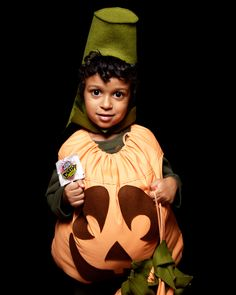This simple but adorable pumpkin costume can be made using an ordinary pillowcase in about 1 1/2 hours.