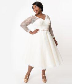 Unique Vintage Plus Size Ivory Lace Martinique Bridal Dress 1950s Style Wedding Dresses, Wedding Dresses London, Wedding Dresses Under 500, Affordable Wedding Dresses, Wedding Dresses Plus Size, Unique Dresses, Bridal Dresses, Vintage Brand Clothing, Fifties Fashion