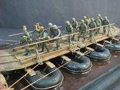 Dioramas and Vignettes: The pontoonbridge