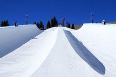 Red Bull Double Halfpipe: Practice Is Underway | Whitelines Snowboarding