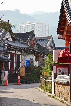 Photography, Jens Van De Bergh, Taiwan & Korea, page 4 Korean Traditional, Traditional House, Jeonju, Korean Wave, Anime Scenery, Geography, South Korea, Taiwan, Big Ben