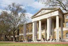 Saatchi Gallery, Sloane Square √