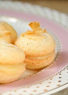 Cream Cheese Banana Bread Recipe - Sensibly Sara Macaroon Recipe Without Almond Flour, Nut Free Macaron Recipe, Almond Flour Recipes, Banana Flour, Make Banana Bread, Banana Bread Recipes, French Macaroon Recipes, French Macaron, Macarons