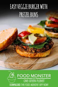 Easy Veggie bUrger With Pretzel Buns Dairy Free Recipes, Vegan Recipes, Food Time, Burger Recipes, Vegetarian Meals, Pretzel, Salmon Burgers, Vegan Food, Buns