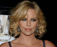 curly bob by charlize theron 30 Spectacular Curly Bob Hairstyles